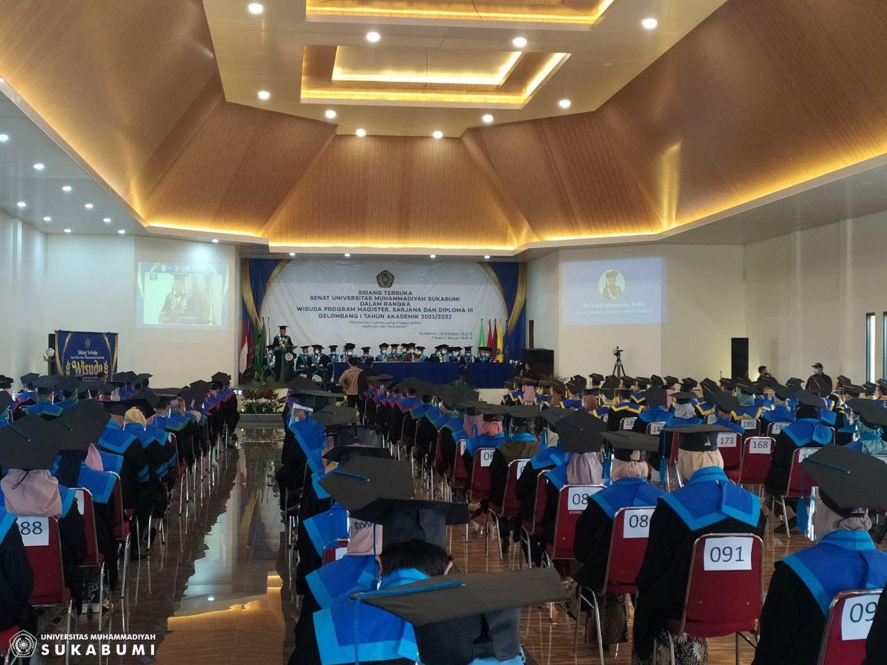 Wisuda Gelombang I : UMMI Sukses Wisuda 650 Lulusan Magister, Sarjana dan Ahli Madya